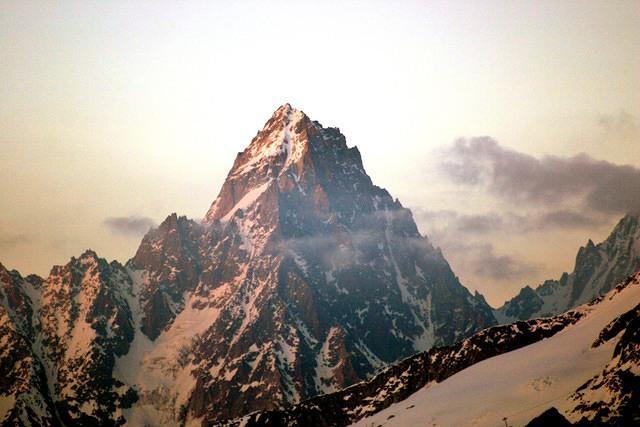 mountain alps airline liability insurance plane crash