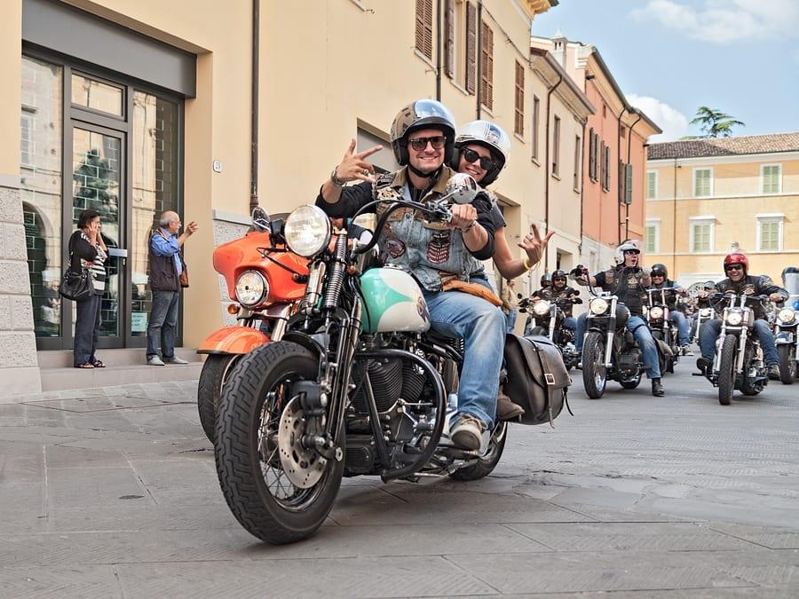 Motorcycle insurance discounts Bikers Waves Riding Harley Davidson
