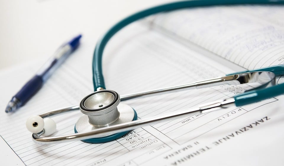 Healthcare Industry – Explore Non-Medical Roles to Kick Start Your Career