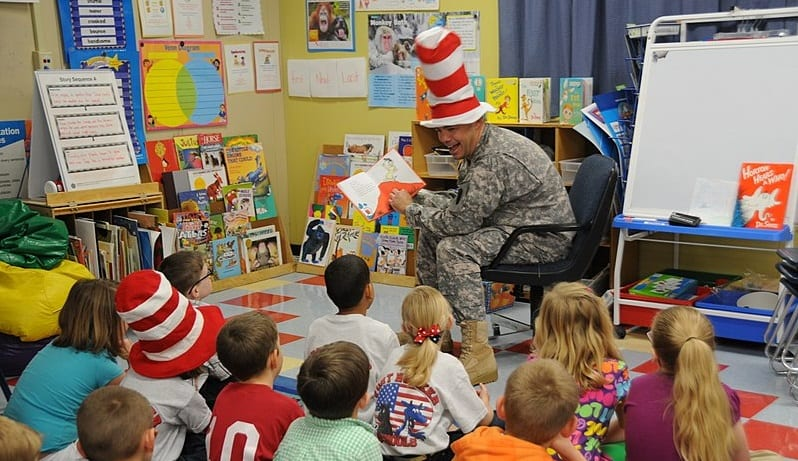 Farmers Insurance Celebrates Dr. Seuss' brithday - students