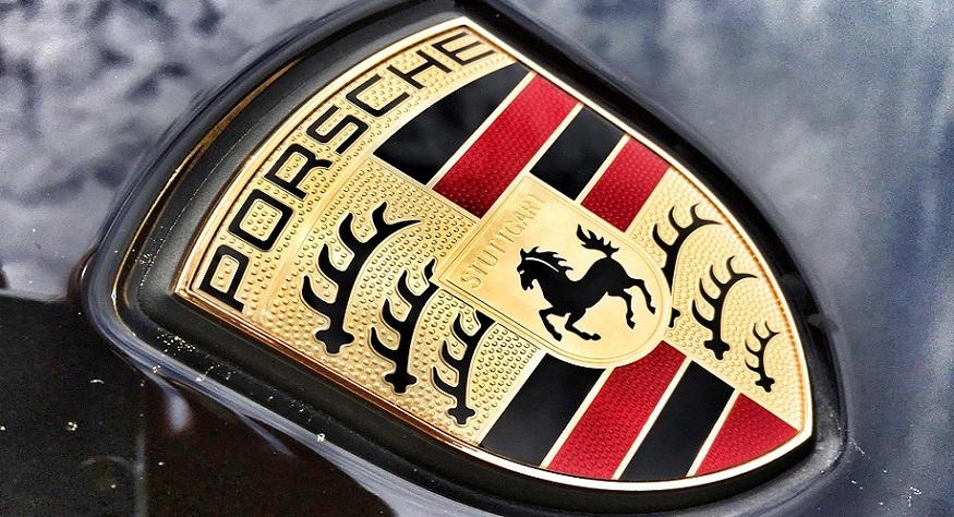 Porsche auto insurance - Porsche logo
