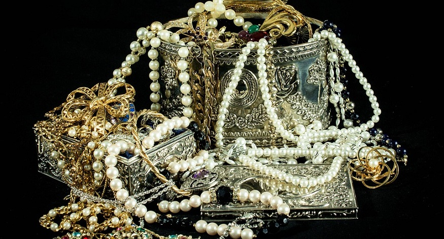 Jewelry Insurance - Jewelry - Necklaces - Silver - Gold - Pearls