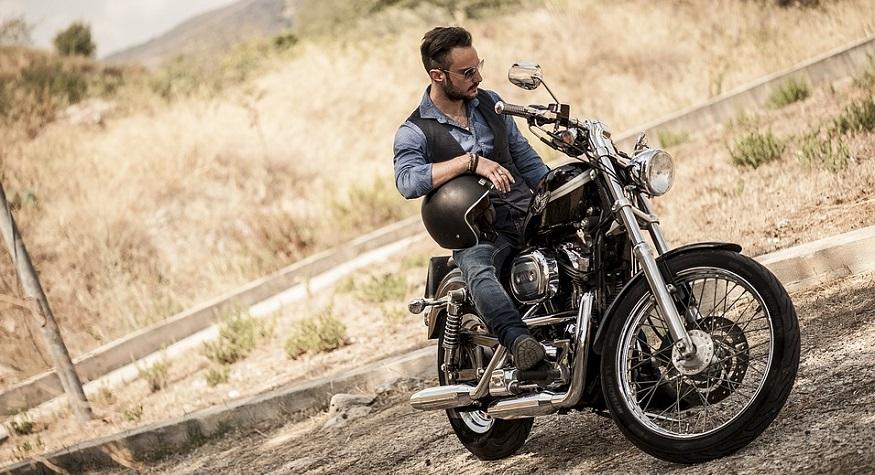 Michigan motorcycle insurance - Man on motorcycle