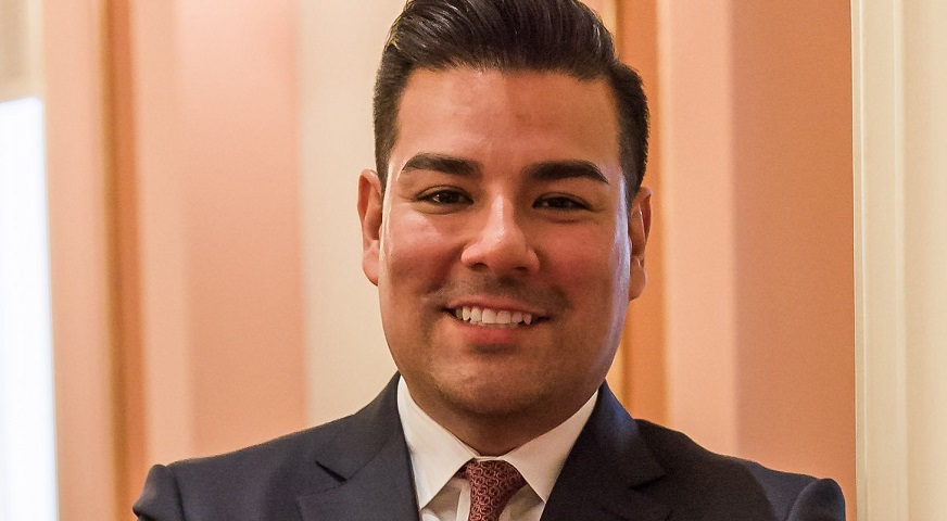 Insurance Commissioner Ricardo Lara - Government Portrait from 2016