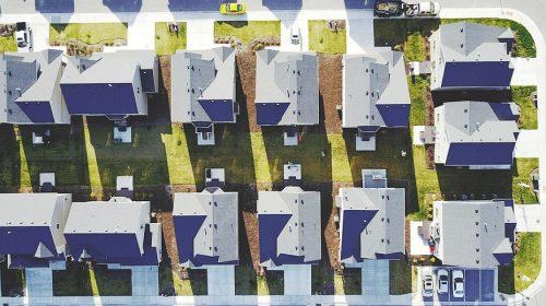 Illinois Homeowners Insurance Rates - neighborhood of houses