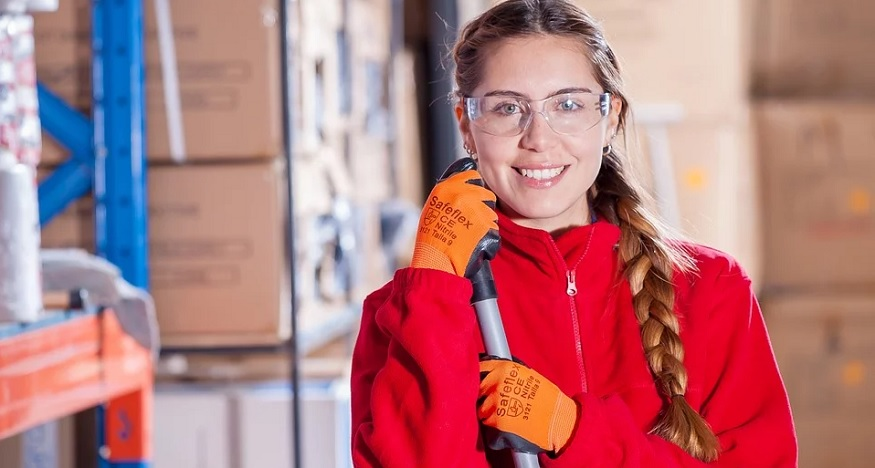 Janitorial Insurance - Industrial - Woman Worker