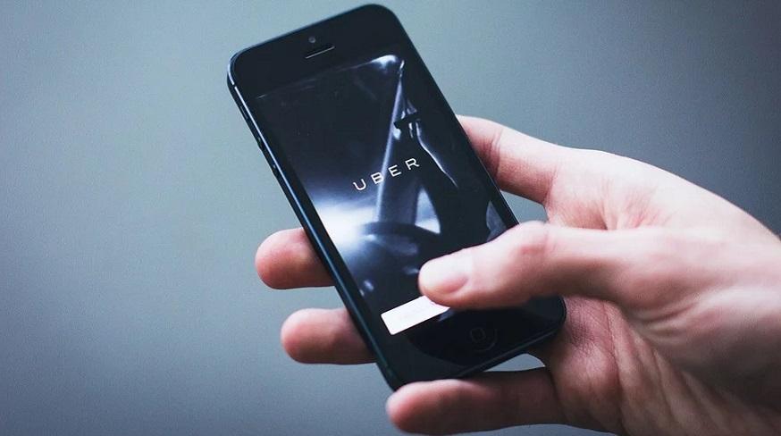 Uber Driver Insurance - Uber on mobile phone