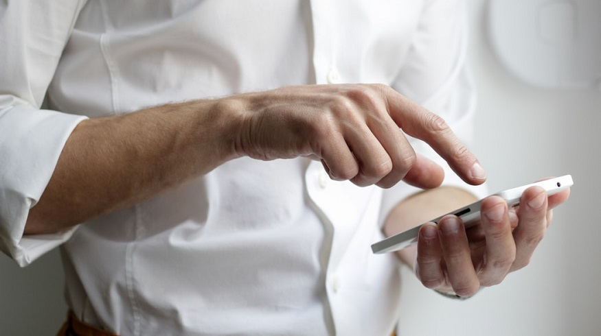Allstate app - Man using mobile phone