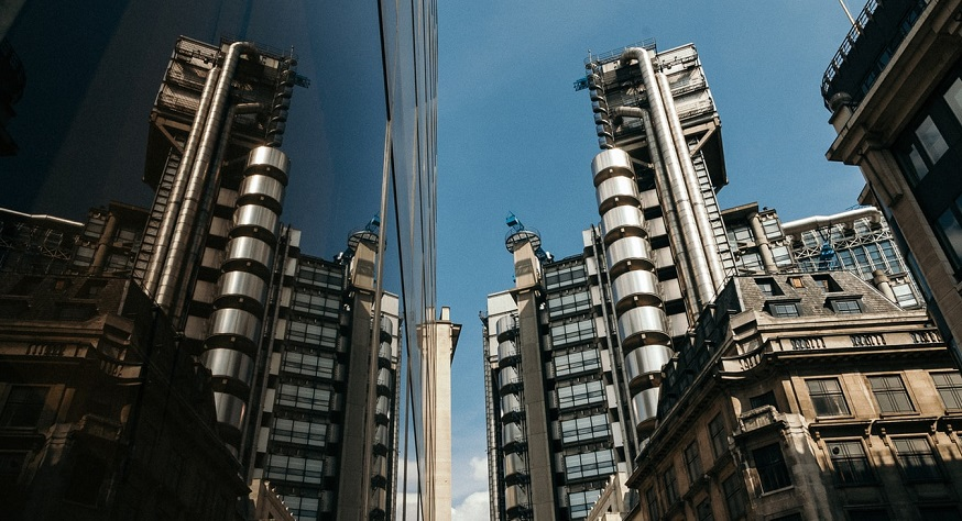 Electronic insurance exchange - Lloyd's of London Building