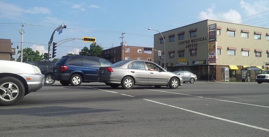 Ohio auto insurance rates - cars on road
