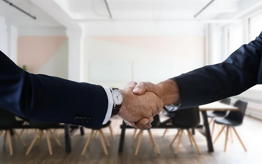 Gainsco insurance - business deal - handshake
