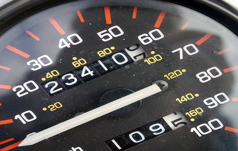 Pay per mile insurance - Speedometer
