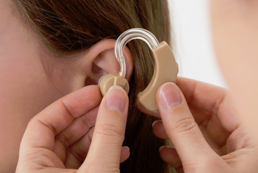 hearing health care professional Otolaryngologists vs audiologists