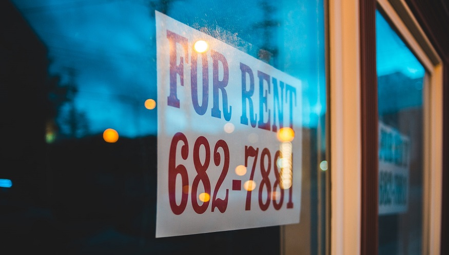 Renters insurance coverage - For Rent sign