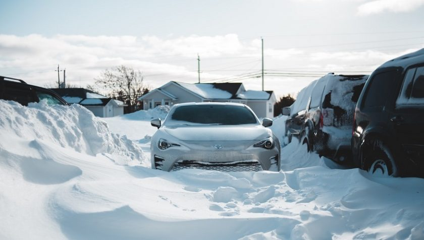 Winter Storm Uri - Snow, cars and homes
