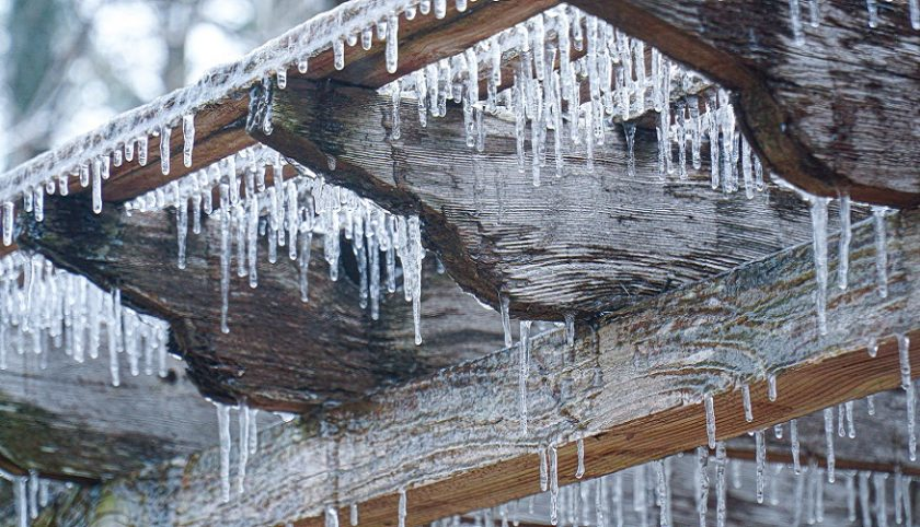 Reinsurance recovery - Winter storm - ice on home
