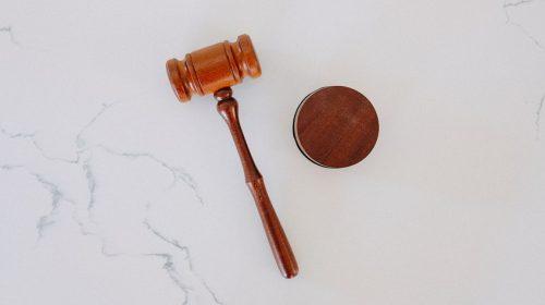 Insurance premium calculation - law - gavel