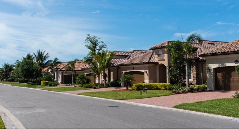 Governor DeSantis signs overhaul of Florida homeowners ...