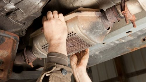 Auto insurance claims - catalytic converter - hands