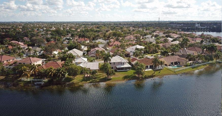 Florida homeowners insurance - homes in Florida on coastline