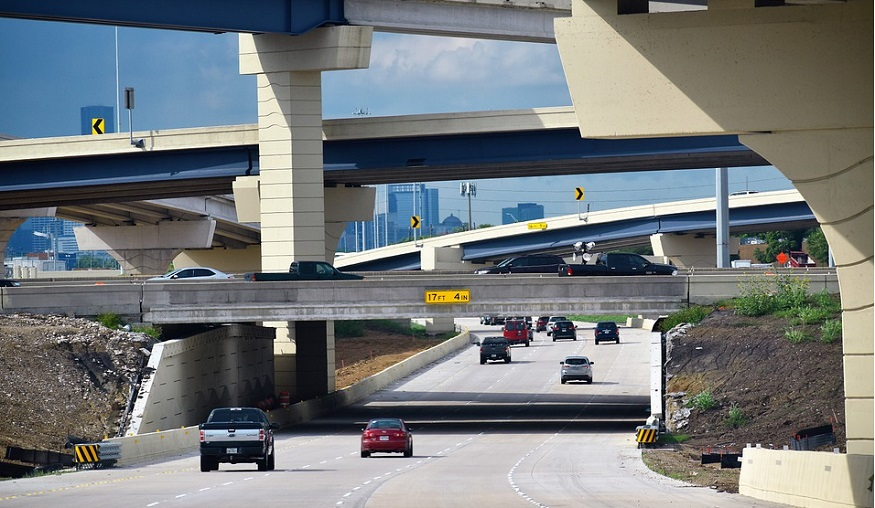 Texas Auto insurance - cars on road in Texas