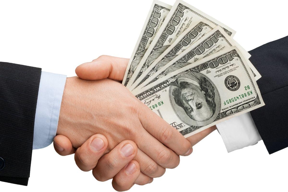 Life insurance - Deal - money